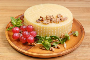 «Mucca d'Oro» (с добавлением горчицы) - Fratelli Spirini - производство сыров в Екатеринбурге